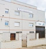 El Ayuntamiento de Pegalajar entrega la primera licencia a una empresa del polígono